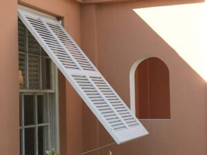 hurricane_shutters_for_your_window_2rmm7